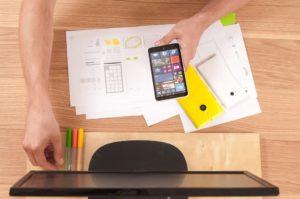 मोबाइल एप्प डेवलपर की टीम में कौन-कौन होता है